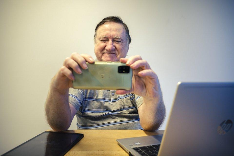 Leo computer, tablet of smartphone